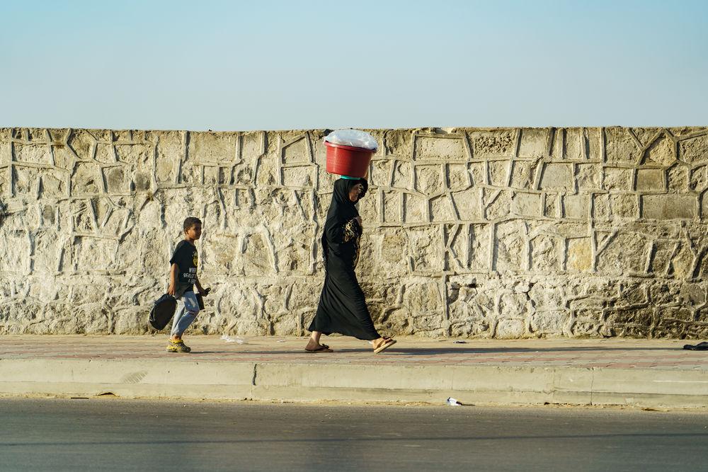 Pohjois-Afrikkalainen nainen ja poika